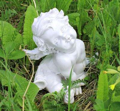 Ангел сидячий с дудкой - фото 5076