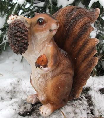 Aists.ru - Магазин садовых фигур - Белка с орехом большая